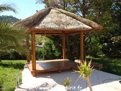 Gallery of kiosque de jardin bambou for Construire un kiosque en bois