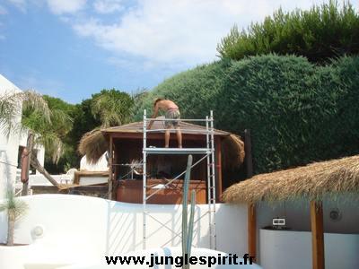Jungle spirit gazebos paillotes meubles et d coration for Degre d humidite ideal maison